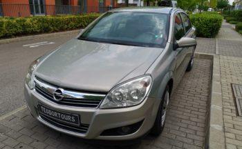 Opel Astra Sedan Автоматик